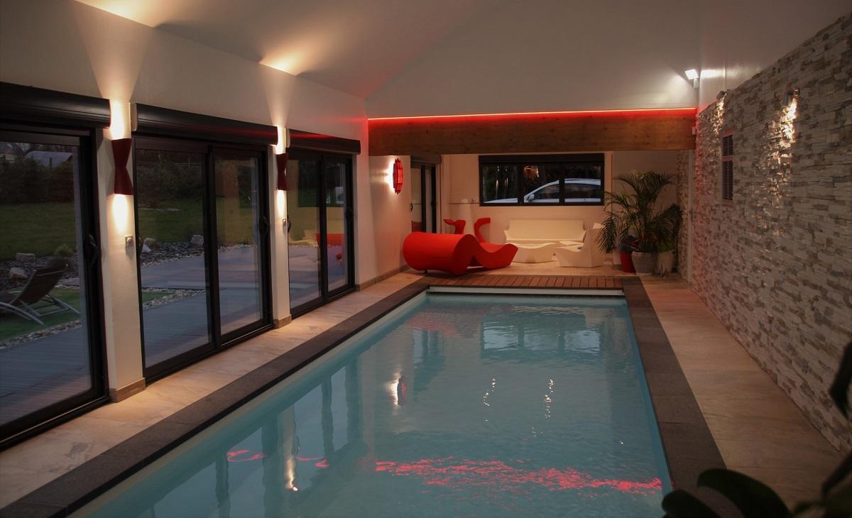 Construction d'une piscine en intérieur - Defi Énergies - Constructeur de maison en ossature bois