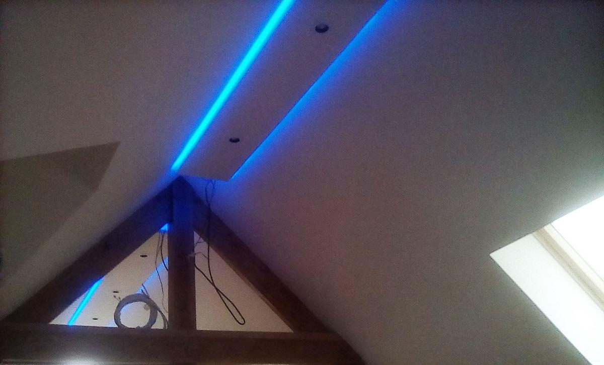 Installation domotique de jeux d'éclairage intérieur - Defi Énergies - Constructeur de maison en ossature bois
