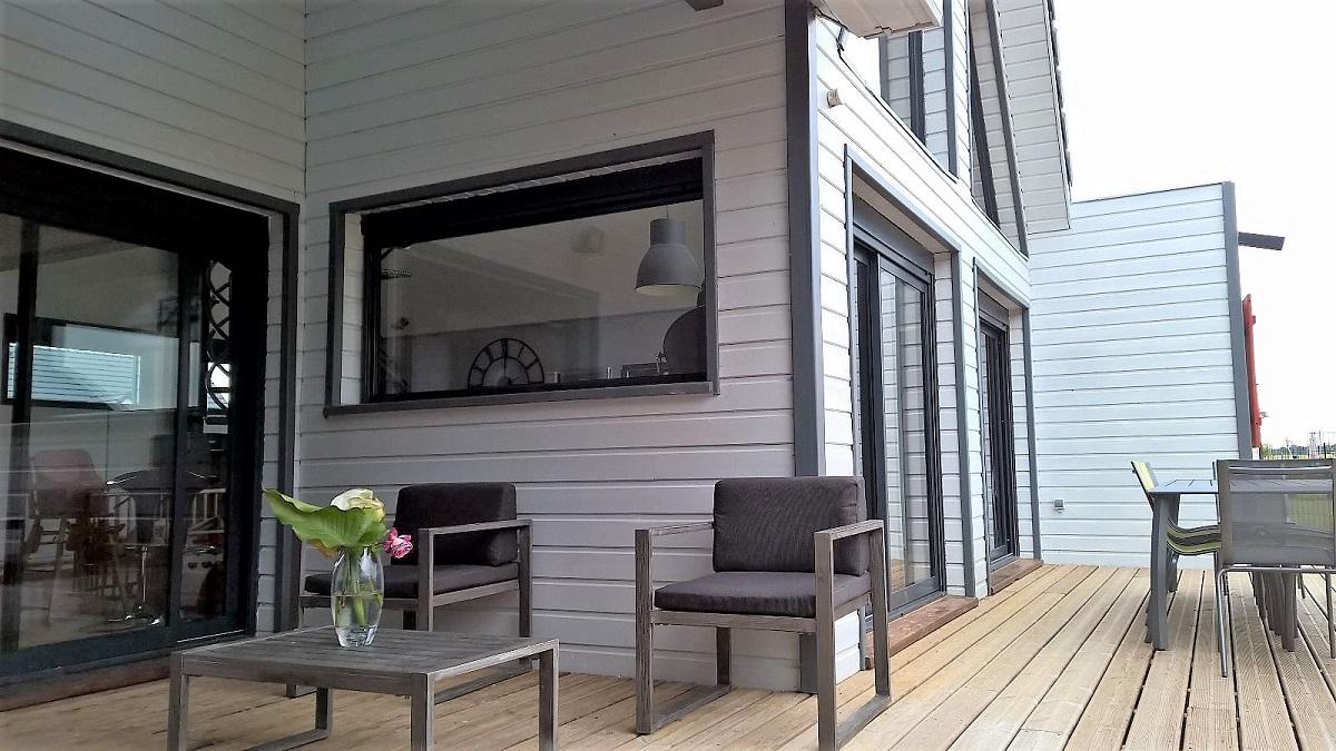 Extension terrasse en bois - Defi Énergies - Constructeur de maison en ossature bois