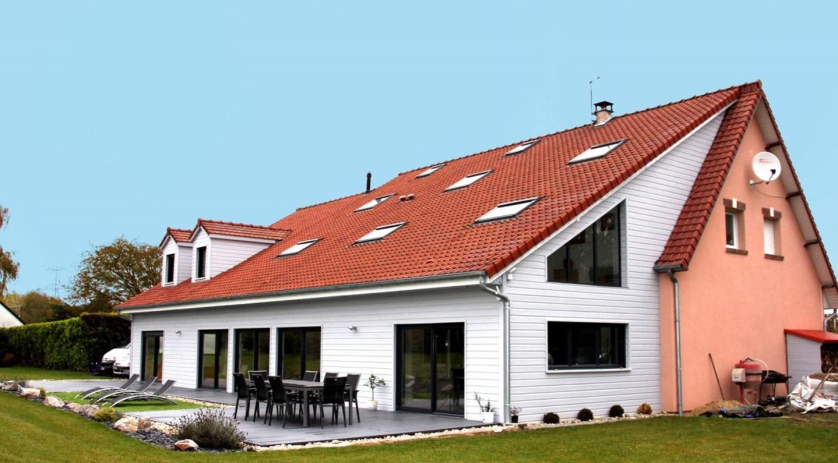 Maison sur 2 étages en ossature bois - Defi Énergies - Constructeur de maison en ossature bois